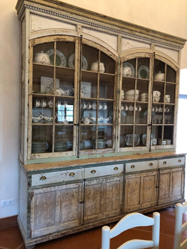 Mueble a medida con maderas antiguas